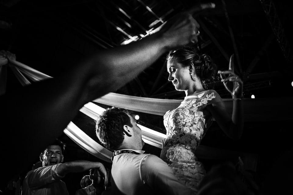 Mariage luxueux et haut de gamme à Deauville de Marine par un photographe du Centre Val de Loire
