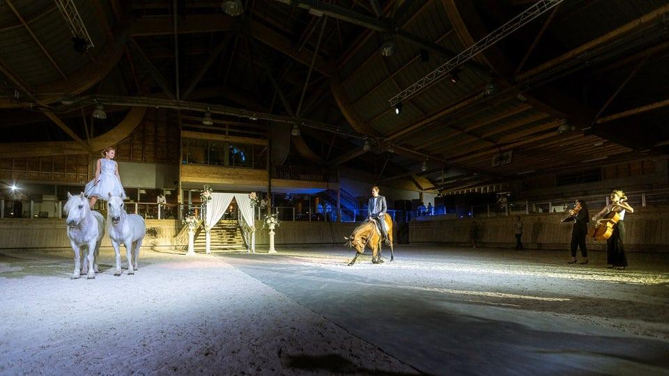 Mariage luxueux et haut de gamme à Deauville de Marine et Hugo par un photographe du Loiret en Centre Val de Loire et Paris