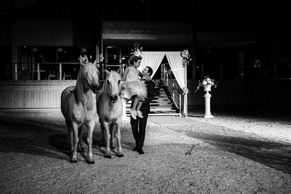 Mariage luxueux et haut de gamme à Deauville de Marine et Hugo par un photographe du Loiret en Centre Val de Loire à Blois