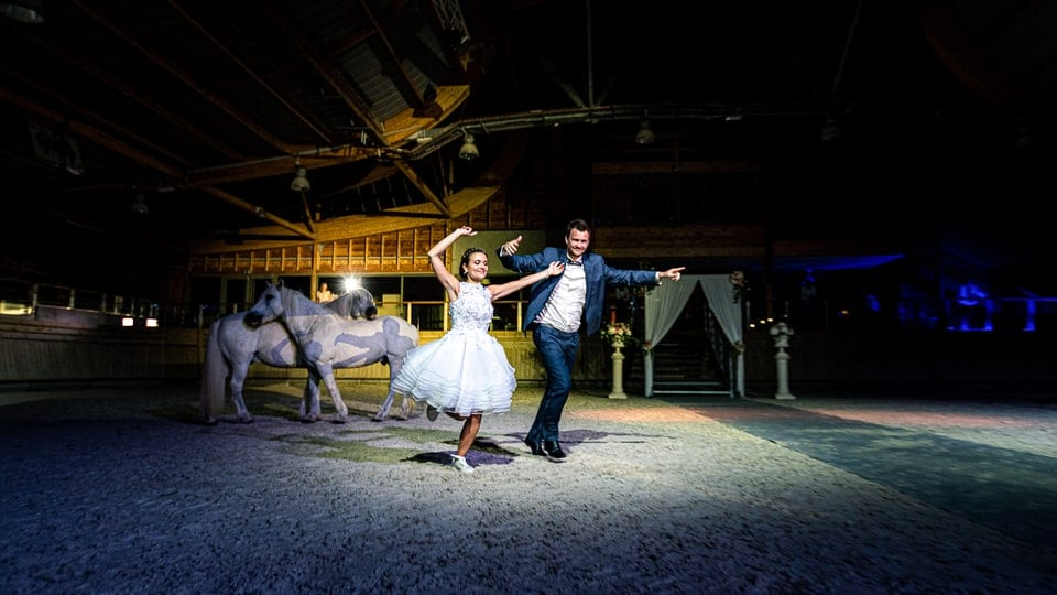 Mariage luxueux et haut de gamme à Deauville de Marine et Hugo par un photographe du Loiret en Centre Val de Loire à Nemours