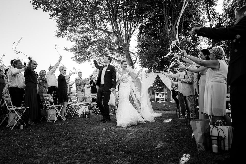 Cérémonie laïque haut de gamme à Deauville de Marine et Hugo par un photographe de mariage du Centre Val de Loire dans le Loiret à Montargis