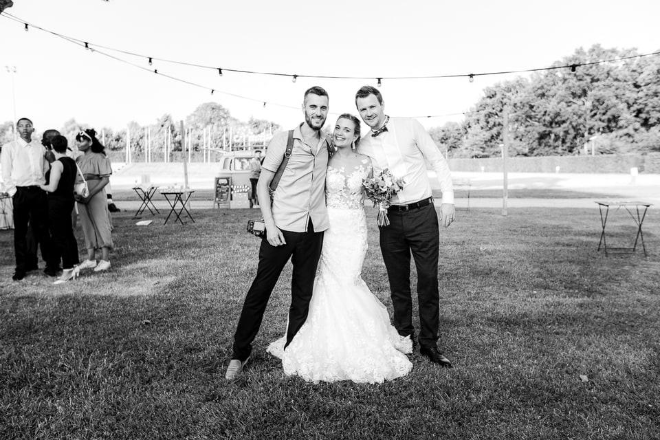Mariage haut de gamme à Deauville de Marine et Hugo et leur photographe de mariage Nathanael Charpentier