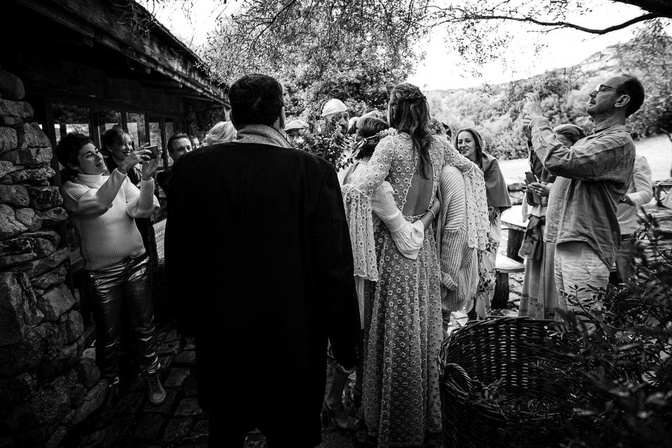 Mariage bohème chic au Domaine de Murtoli en Corse par un photographe de France du Loiret à Orléans et Centre Val de Loire