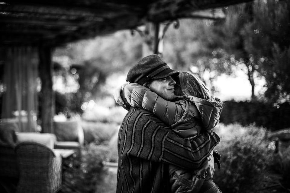 Mariage Haut de gamme sur la plage bohème chic en Corse au Domaine de Murtoli par un photographe de région Centre à Orléans et Gien dans le Loiret photo journalisme