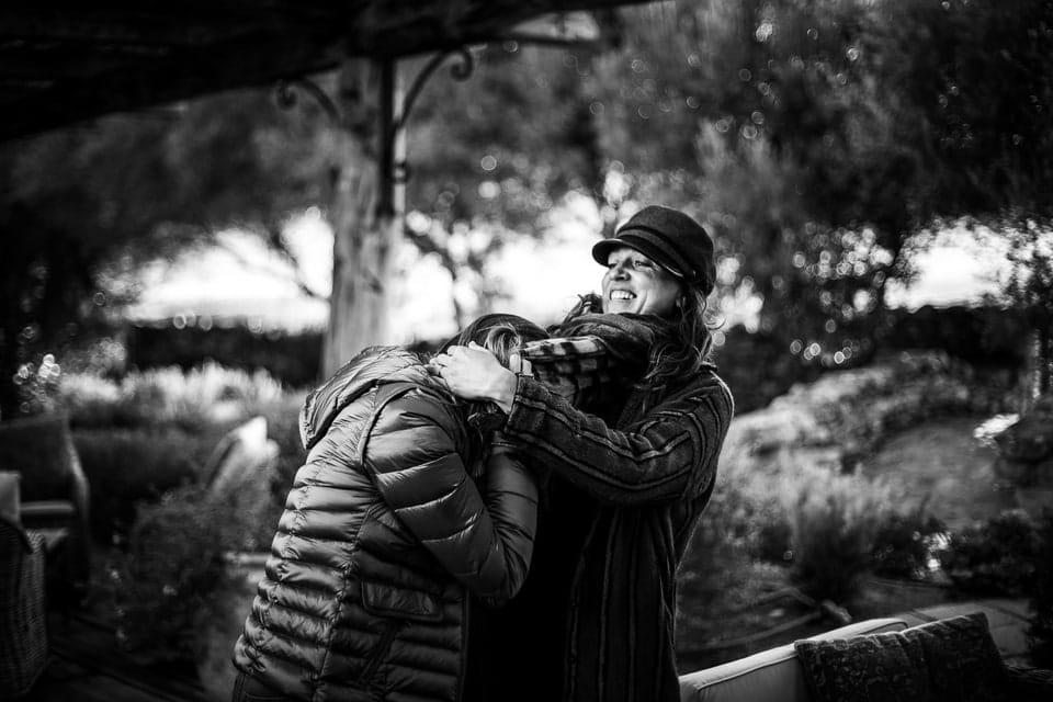 Mariage Haut de gamme sur la plage bohème chic en Corse au Domaine de Murtoli par un photographe de région Centre à Orléans et Gien dans le Loiret photo-documentaire