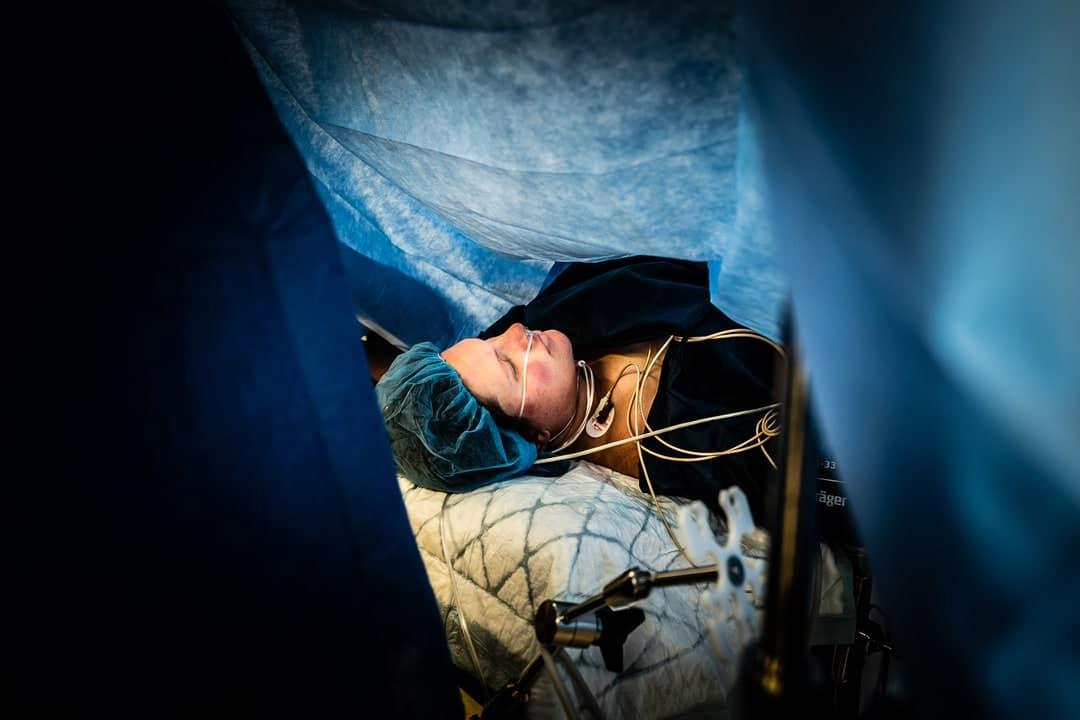 Photographe accouchement reportage césarienne maternité de Gien Loiret France Lorris