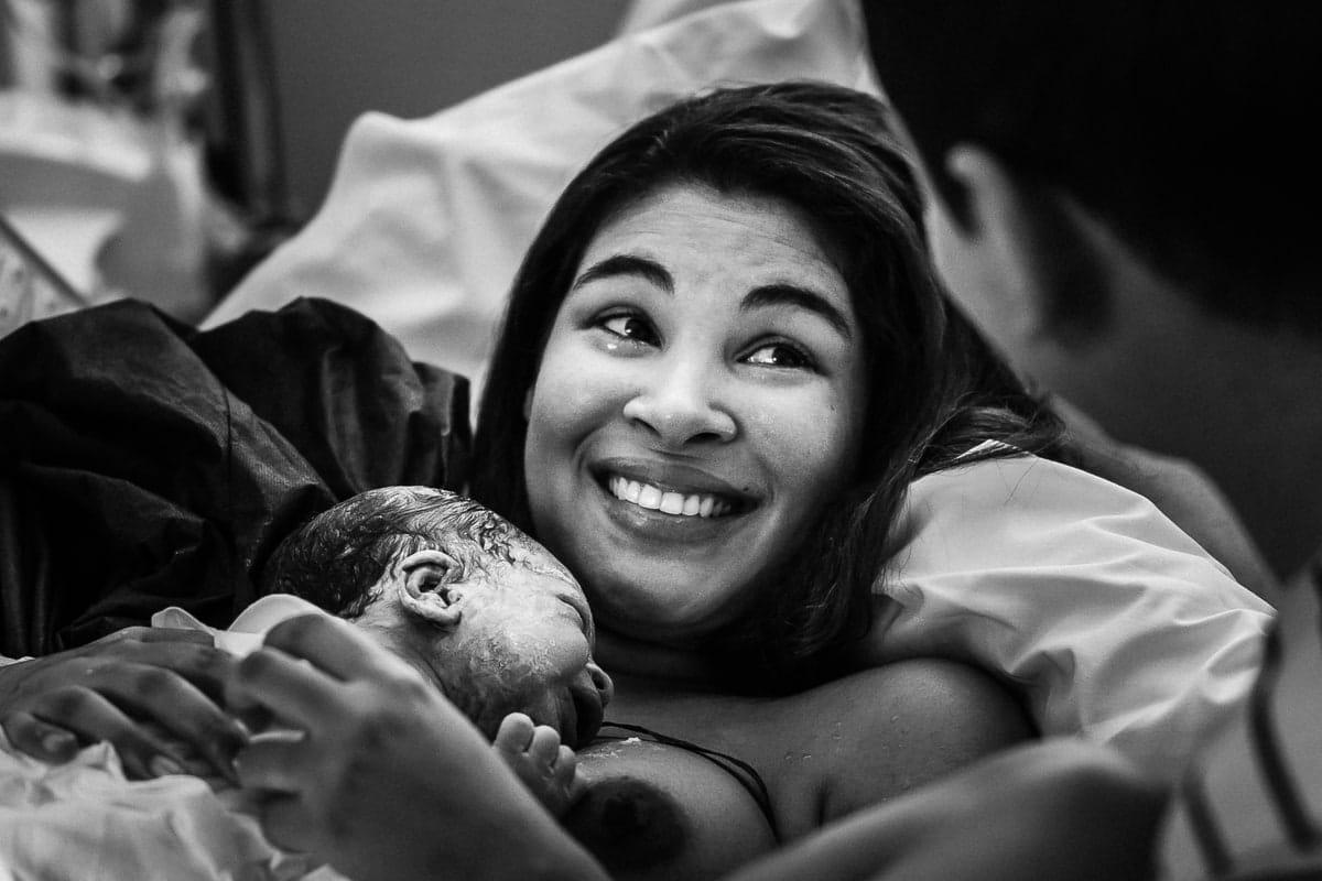 Photographe reportage accouchement à la maternité de Gien Loiret Orléans Centre Val de Loire