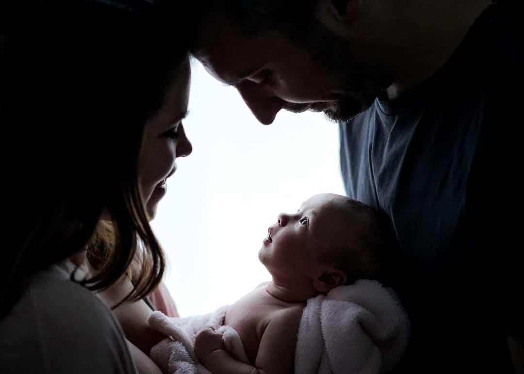 Photographe Loiret reportage famille Orléans Gien grossesse bébé