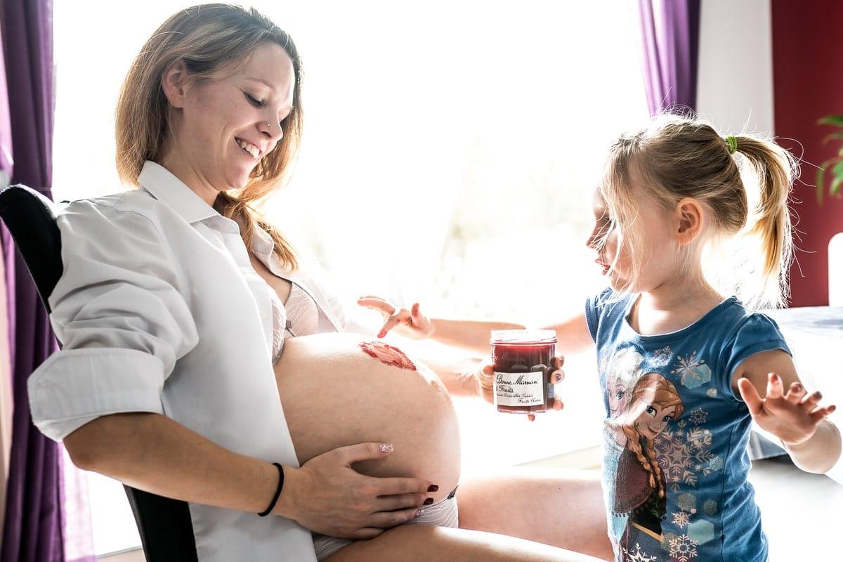 reportage famille Loiret maternité Gien photographe naissance bébé grossesse