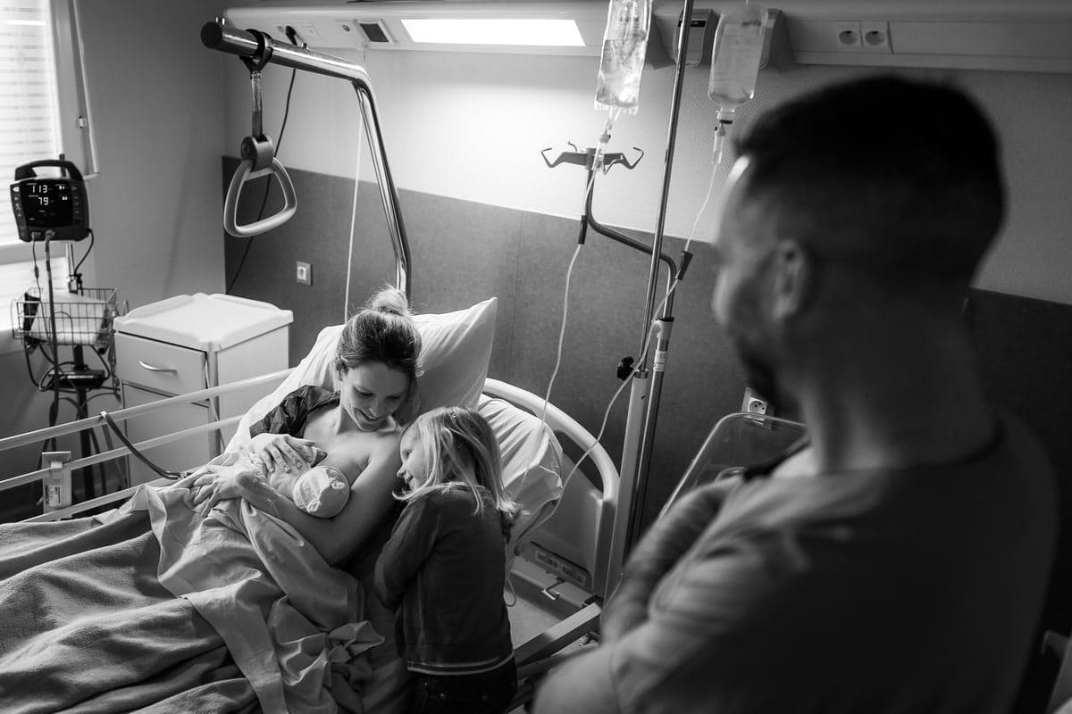 reportage famille Loiret maternité Gien photographe naissance bébé accouchement