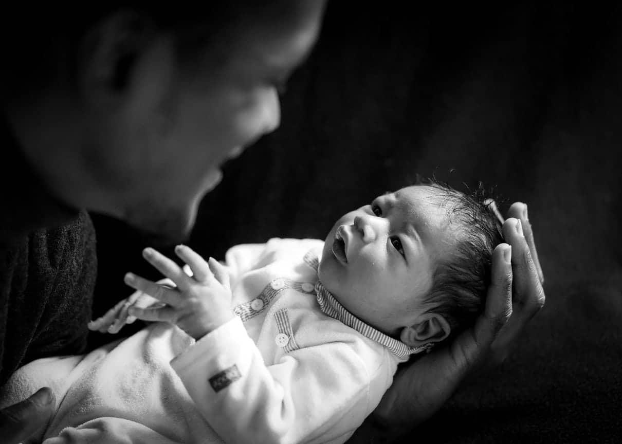 reportage famille Loiret maternité Gien photographe naissance bébé